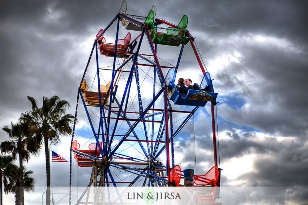 carousel-balboa-fun-zone-newport-beach-engagement-photography