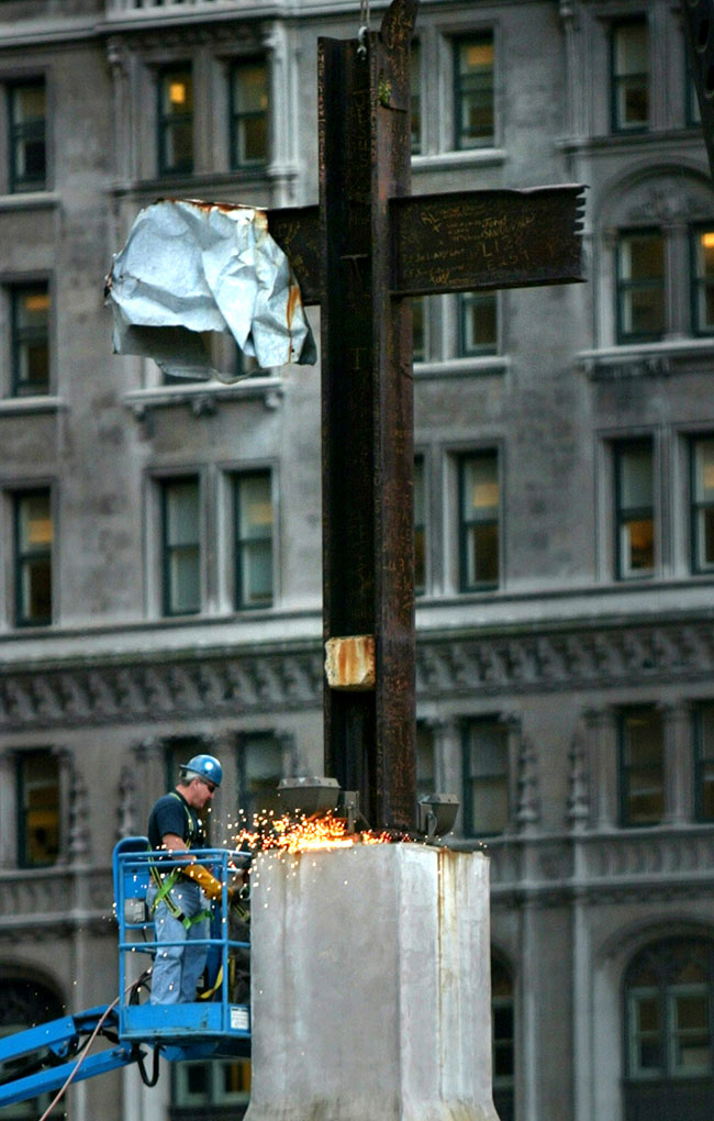 GROUND ZERO CROSS by Bebeto Matthews (AP)